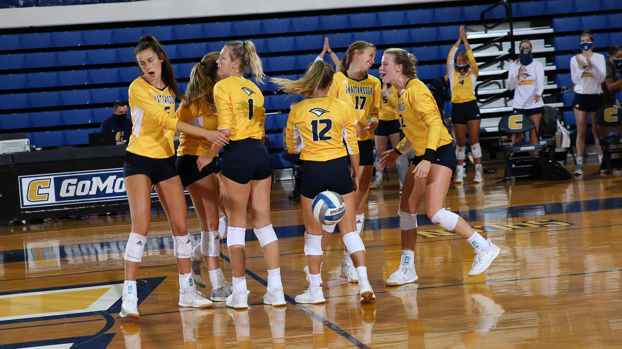 Volleyball Defeats Georgia State In Five Set Thriller University Of Tennessee At Chattanooga Athletics